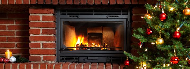 Kamin_Ziegel_Weihnachtsbaum_Fotolia_36191733_S